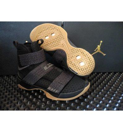 Nike Lebron Soldier X FlyEase