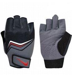 Перчатки для тренировок Nike серо-черные