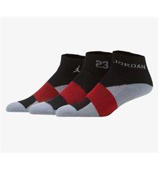Носки JORDAN QUARTER черно-красно-цветные короткие