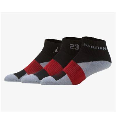 Носки 3PK JORDAN QUARTER черно-красно-цветные короткие