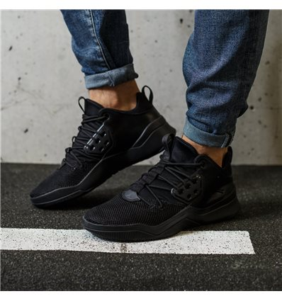 Jordan DNA Trainer all black